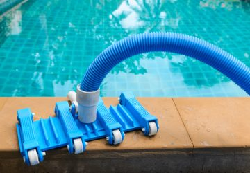Keep Your Pool Clean With the Best Pool Vacuum Heads