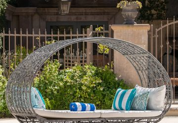 Top Outdoor Canopy Day Beds
